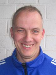 Klaus Hermanns bleibt Coach des aktuellen B-Liga Tabellenführers im Fußball-Kreis Arnsberg im Sauerland